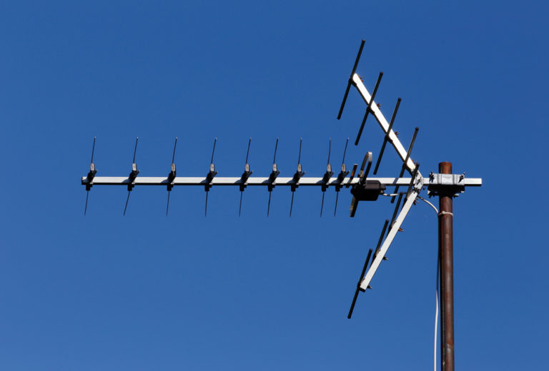 Save on Subscription TV Costs: Update your TV Antenna & Enjoy Free-to-Air Channels Instantly